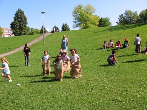 Tenant Picnic 2004